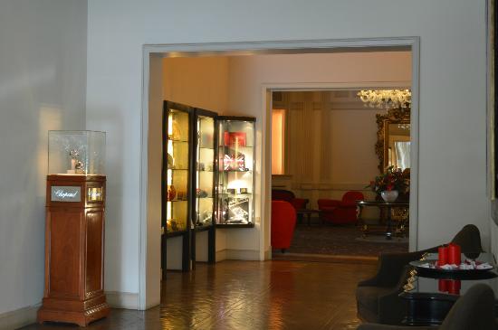 Sina Villa Medici: Hall entrada
