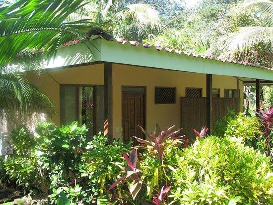 El Sueno Tropical: Double rooms have queen beds