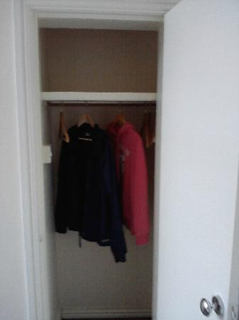 Happy Return Hotel: Walk in wardrobe Heaps of room