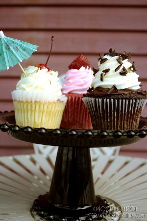 Simply Cupcakes: Pina Colada, Simply Strawberry & Black Tie