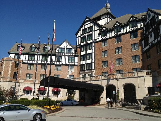 The Hotel Roanoke & Conference Center, Curio Collection by Hilton: hotel exterior