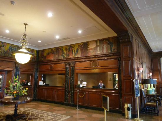 The Hotel Roanoke & Conference Center, Curio Collection by Hilton: front desk area