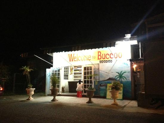 Fish Tobago Guesthouse: Main street in Buccoo
