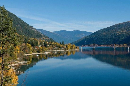 Alpine Inn and Suites : Kootenay Lake