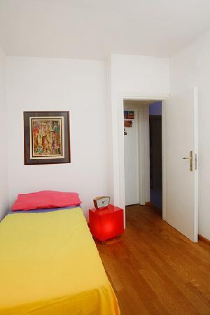La Casa degli Artisti: Camera arancio singola