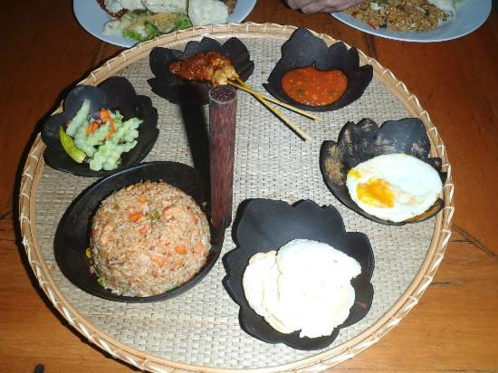Kampung Daun: Nasi goreng Indonesia or indonesian fried rice