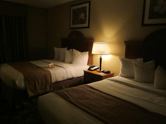 Quality Inn & Suites Fishkill: comfy beds