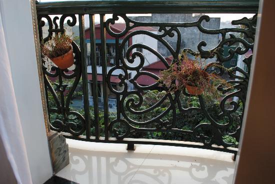 Hanoi Meracus Hotel 1: Balcony