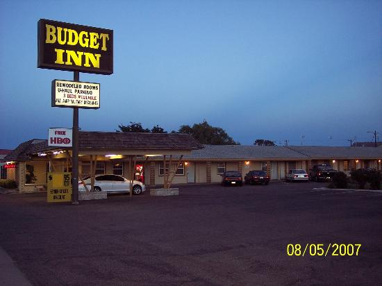 Budget Inn - Sign