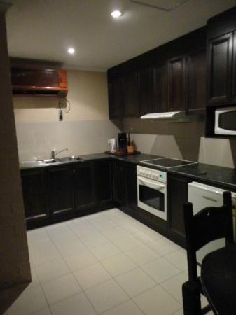 Albury Manor House: Kitchen in triple room