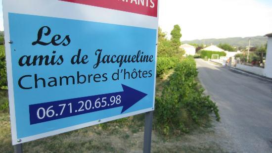 Les Amis de Jacqueline : Signage