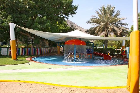 Le Meridien Al Aqah Beach Resort : Piscine du Pinguin Club