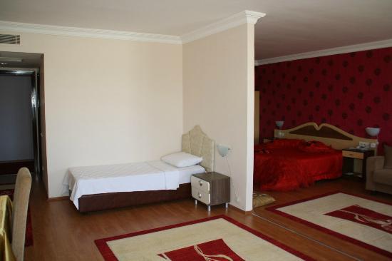 Hotel Delta Yss: süit odalarımız