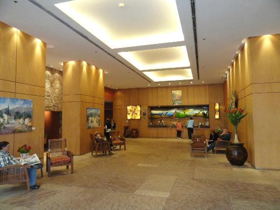 فندق أليجاندرو آي: Front desk 