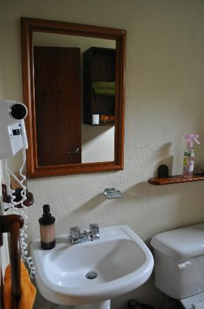 Semilla Verde Boutique Hotel: En suite for room 2