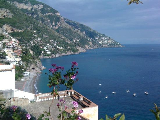 Pensione Maria Luisa - Amalfi Coast: view over positano walking up the stairs from Spiaggia del Fornillo to the Pensione Maria Luisa
