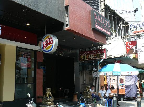 D Varee Diva Bally Silom, Bangkok: Street view