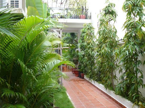 Eureka Villas Phnom Penh: Corridor