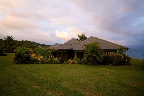 Taveuni Island Resort & Spa: Outside view of the villa
