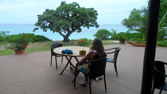 Sandy Beach Resort: Outdoor Bar Area