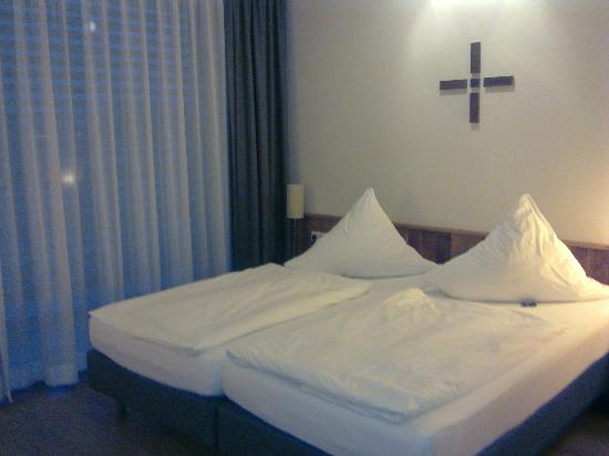 mainhaus Stadthotel: Spacious and clean room