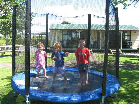 Otorohanga Holiday Park: Children are also welcome