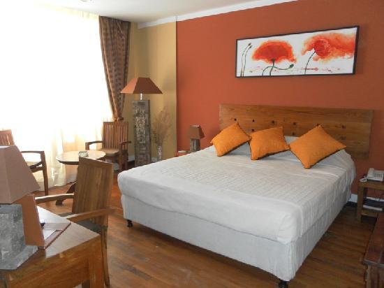 Sharon Hotel : chambre suite