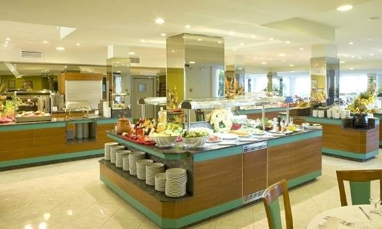 Universal Hotel Castell Royal: Comedor