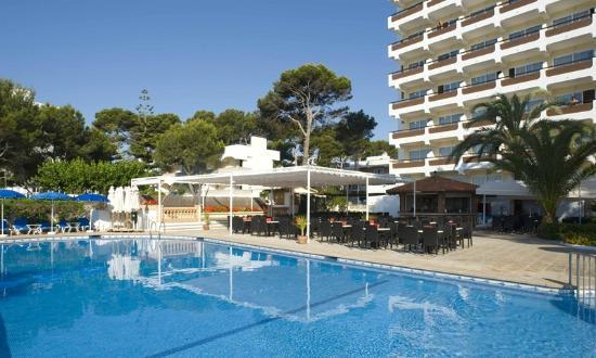 Universal Hotel Castell Royal: Terraza
