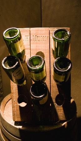 Whighams Wine Cellars: Champagne Bottles