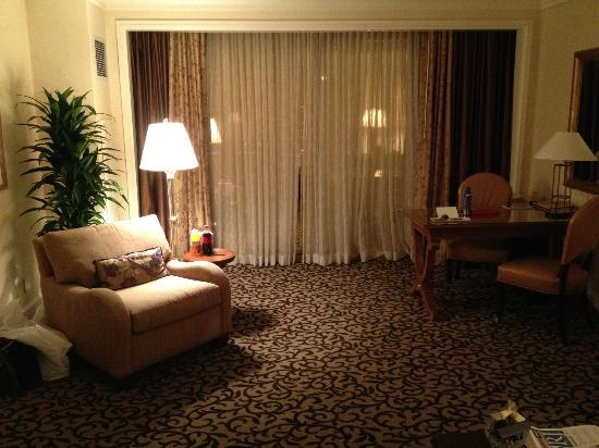 Four Seasons Hotel Las Vegas: Living Room of Suite - very nice
