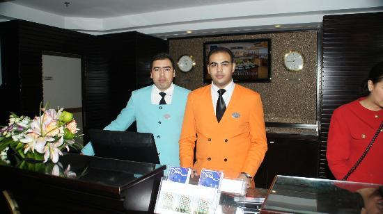 Coral Dubai Deira Hotel: Concierge&Rezeption
