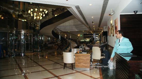 Coral Dubai Deira Hotel: Lobby