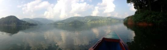 Begnas Lake Resort: View of lake while boating to the Resort