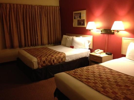 Ramada Anchorage: double beds