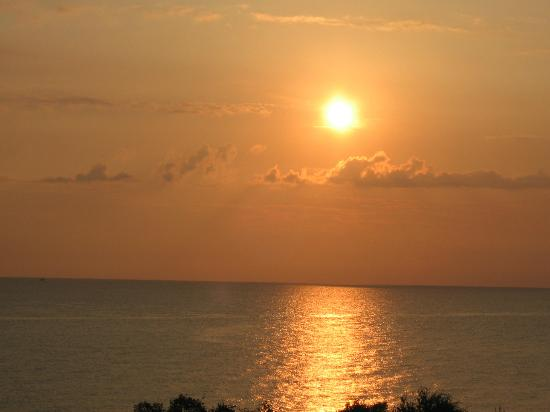 Cavo Olympo Luxury Resort & Spa: Sunrise