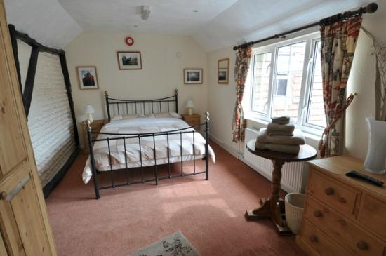 Two Sawyers: Ash - small double en-suite