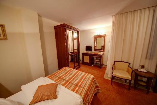 Amzei Hotel: Classic Room