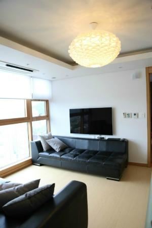 The Seoul : living room