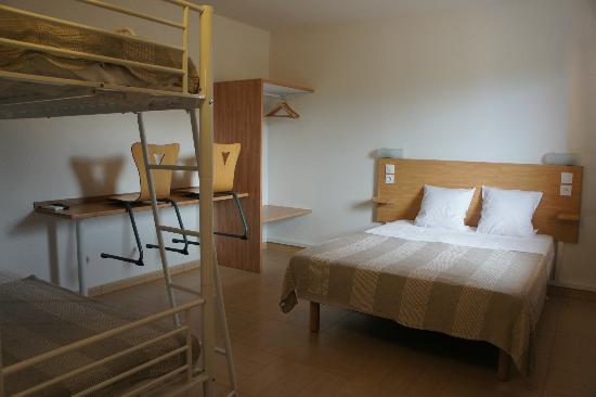 Hotel Acajou : chambre quadruple