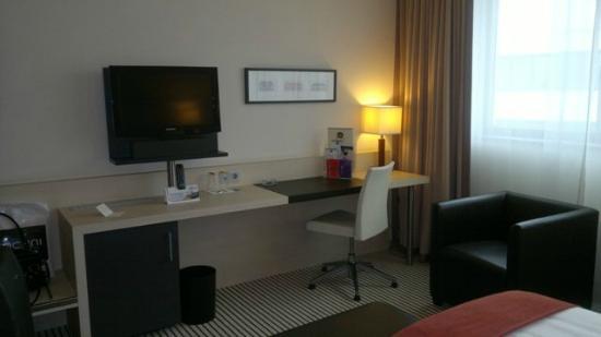 Best Western Premier Hotel Regensburg : Schreibtisch