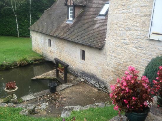 Moulin de Fresquet: extérieur chambre