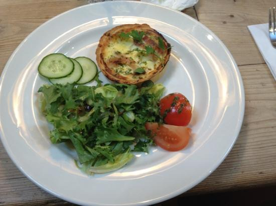 Le Pain Quotidien: ham and cheese tarte