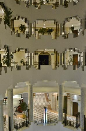 SENTIDO Aziza Beach Golf & Spa: Lovely interior