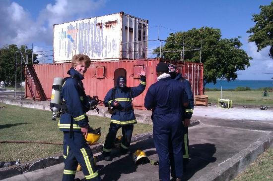 Ondeck Ocean Racing : Very real fire fighting training for STCW95