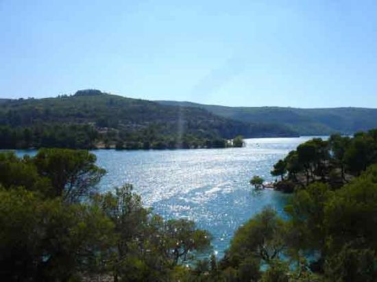 gite l'Escargot : lac d'Esparron de verdon