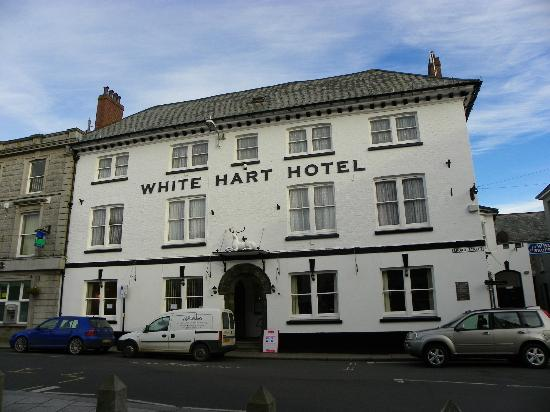 White Hart Hotel : The hotel front.