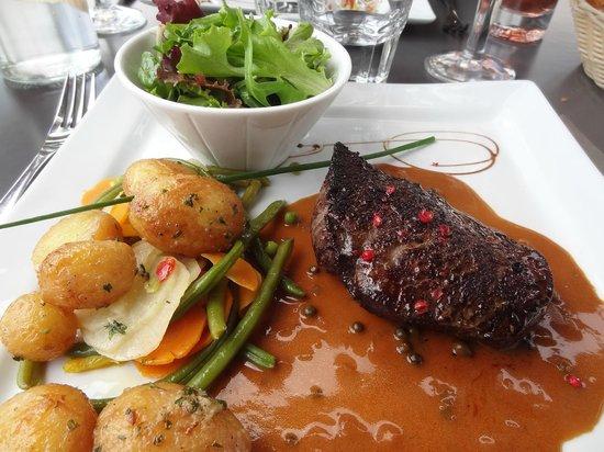 La Boucherie Les 2 Maisons : This mouthwatering steak tastes as good as it looks!
