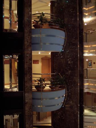 Sea View Hotel: Lobby area