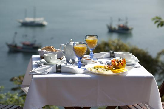 Pousada Picinguaba: Breakfast with amazing sea view